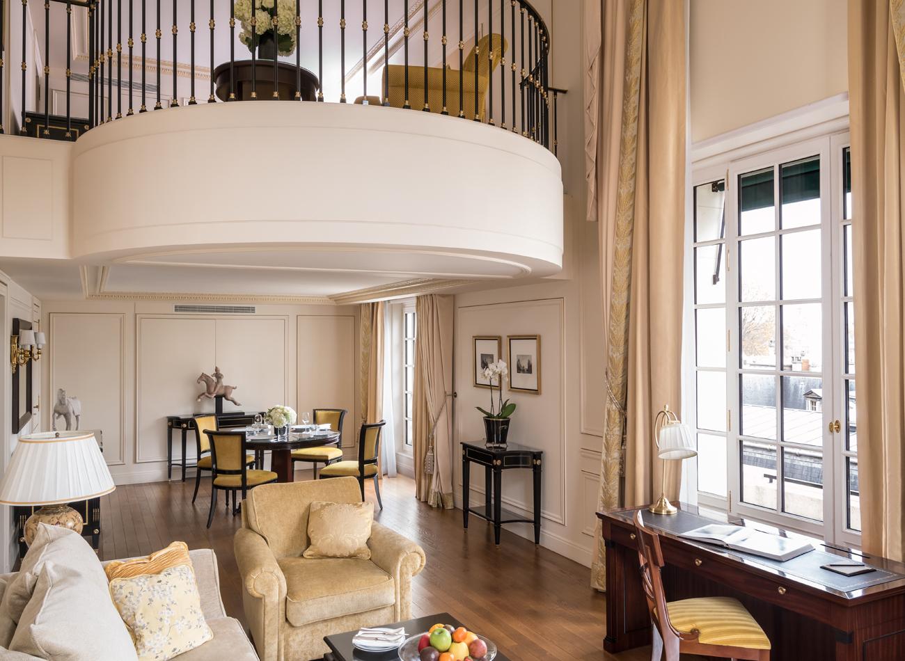 Shangri la paris for Warnemunde 5 sterne hotel