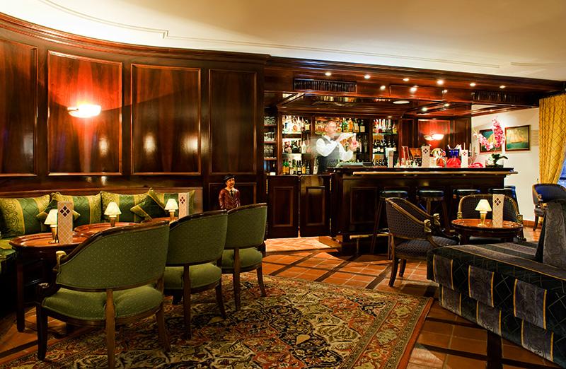 Stunning Salon De Jardin Bas Vila Pictures - House Interior ...