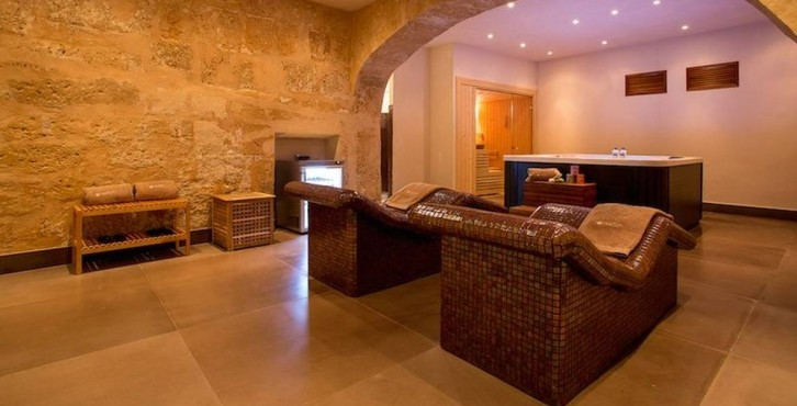 boutique hotel calatrava. Black Bedroom Furniture Sets. Home Design Ideas